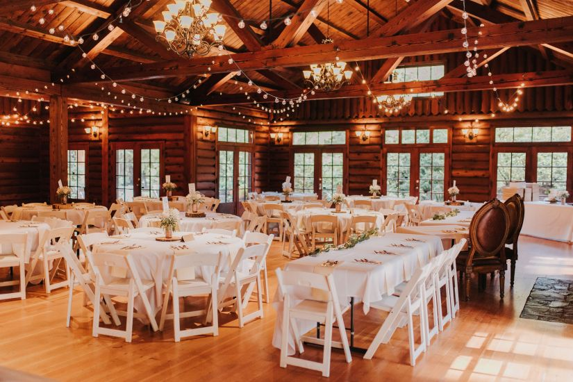 gorgeous wedding venue, washington wedding venue, ridgefield wedding venue, wooden cabin wedding, wood lodge, reception area