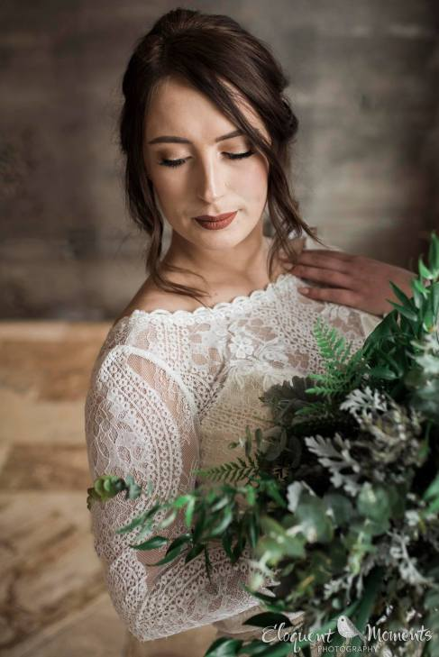 bride, wedding gown, lacy wedding gown, boho wedding gown, vintage wedding gown, greenery bouquet, wedding and events florist, portland wedding florist, modern minimalist wedding