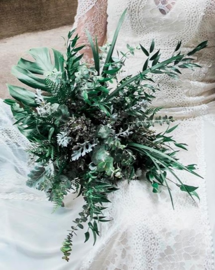 monstera, italian ruscus, eucalyptus, dusty miller, greenery bouquet, green bride,