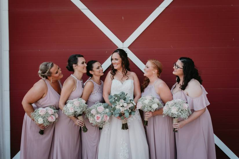 Bride and bridesmaids, wedding flowers, bridal bouquet