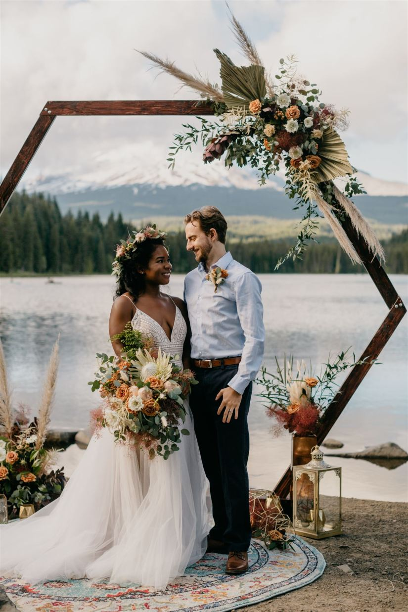 boho wedding, bohemian wedding, boho bride, hexagon arch, hexagon arbor, boho arbor, boho wedding arbor flowers, boho bridal bouquet