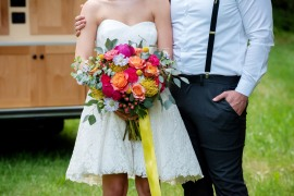 bright, colorful wedding palette, bright colorful bride bouquet