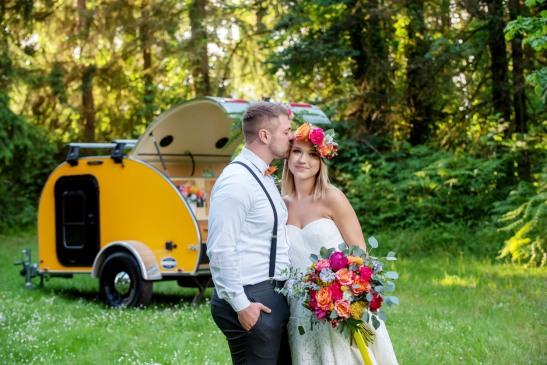 Wedding on Wheels elopement, teardrop camper wedding, camper wedding, forest wedding, forest elopement