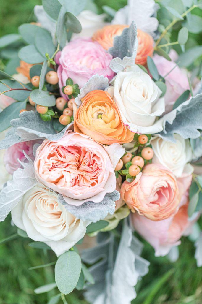 garden roses, david austin garden roses, keira roses, juliet roses, ranunculus, coral flowers, peach flowers, blush flowers, ivory flowers, vendela roses, dusty miller greenery, eucalyptus greenery, bridal bouquet, portland florist, portland wedding florist