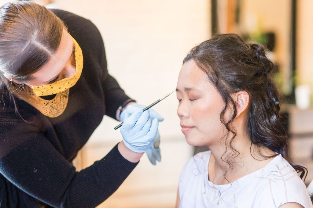 bride makeup, bridal makeup, following covid guidelines for makeup artists, wearing a mask, makeup artist wearing gloves and a mask,