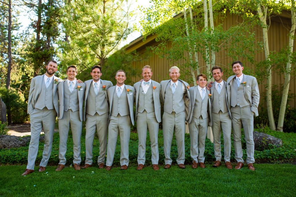 Groomsmen, groom, wedding day, boutonniere, grooms boutonniere, ranunculus boutonniere, peach and blue wedding, pastel boutonniere, oregon florist, oregon wedding florist, oregon wedding flowers, bend wedding, bend wedding florist