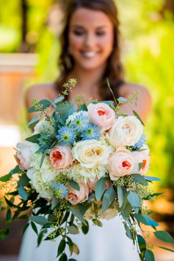 Sunriver Wedding, Sunriver Resort, Sunriver Resort Wedding, bridal bouquet, oregon wedding flowers, oregon wedding florist, oregon florist, oregon wedding bouquet, garden rose bouquet, peach and pale blue wedding,