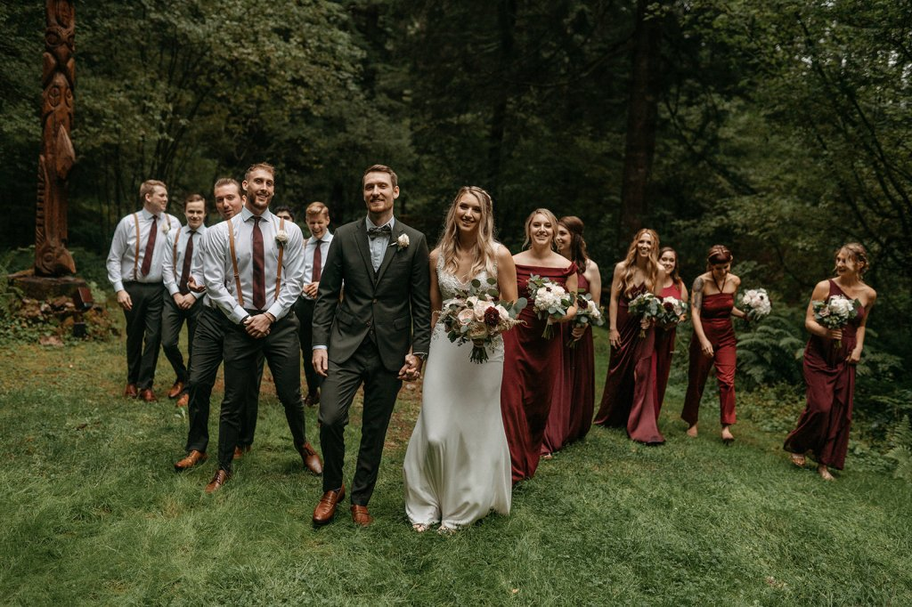 bridal party, bride and groom, brides bouquet, oregon wedding, portland wedding, burgundy wedding, bridesmaids, bridal gown, bridesmaid dresses, wedding party